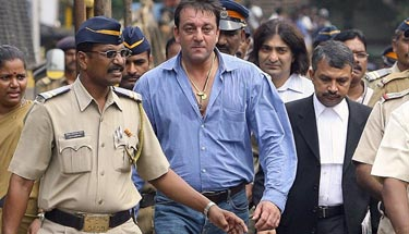 Sanjay Dutt shifted to Pune's Yerawada jail